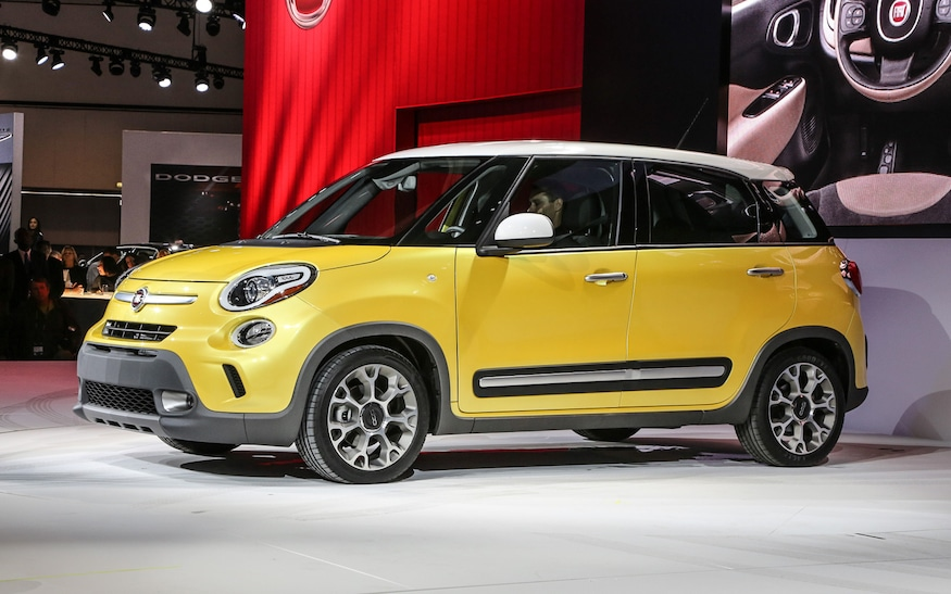Plastic Is The New Glass 2014 Fiat 500l And Others Replacing Glass With Polycarbonate