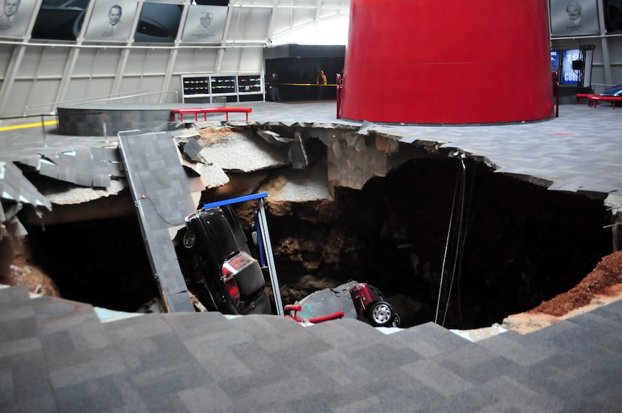 National Corvette Museum >> Eight Chevrolet Corvettes Fall Into Sinkhole At National