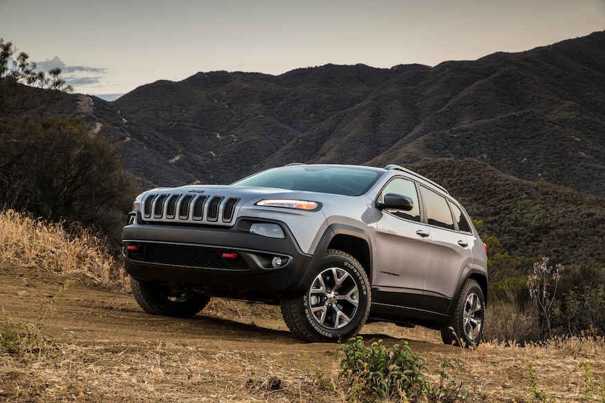 Jeep Cherokee Mpg >> 2015 Jeep Cherokee V 6 Mpg Ratings Improve Thanks To Start