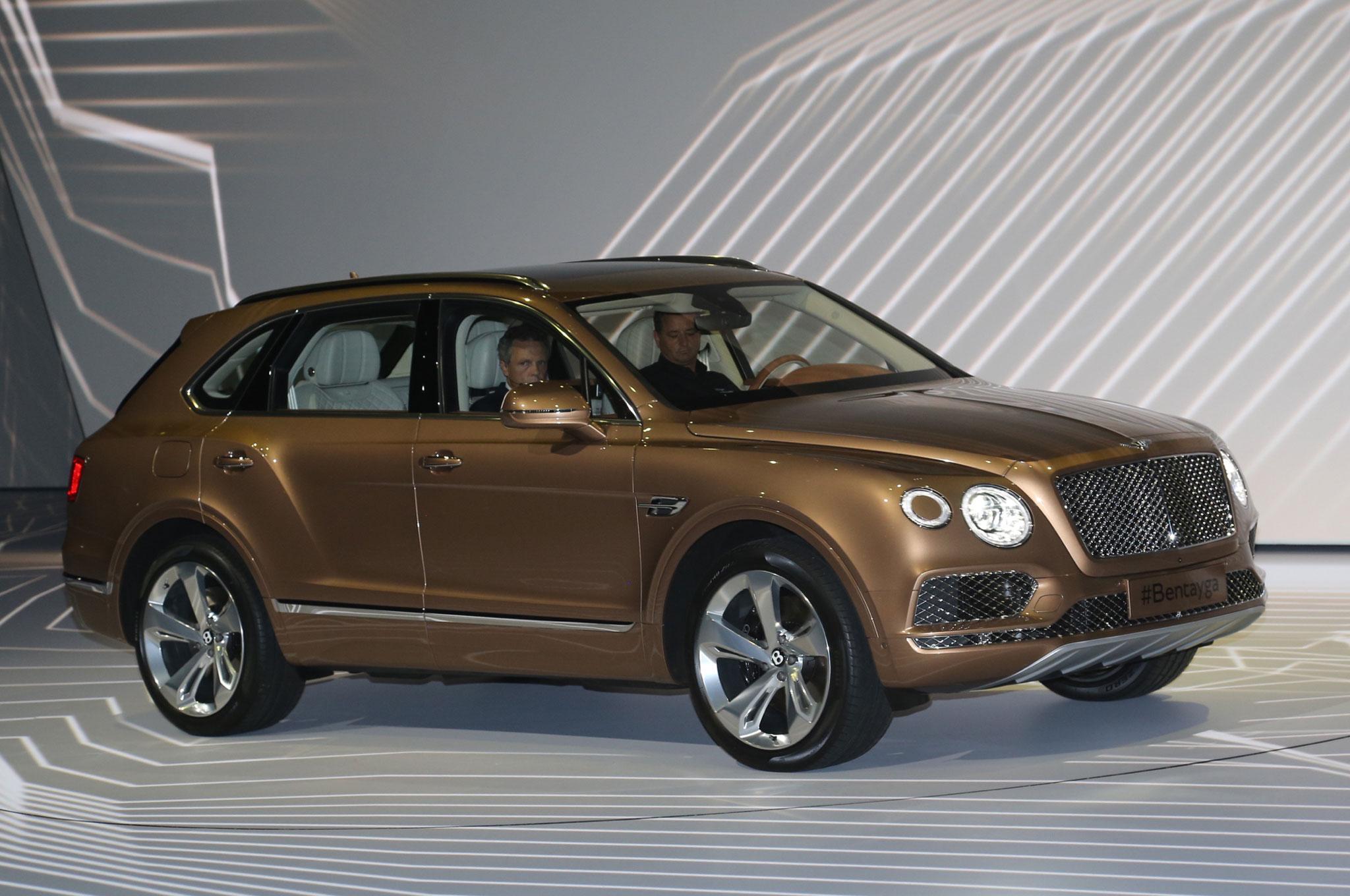 2017 Bentley Bentayga Suv Revealed Ahead Of Frankfurt