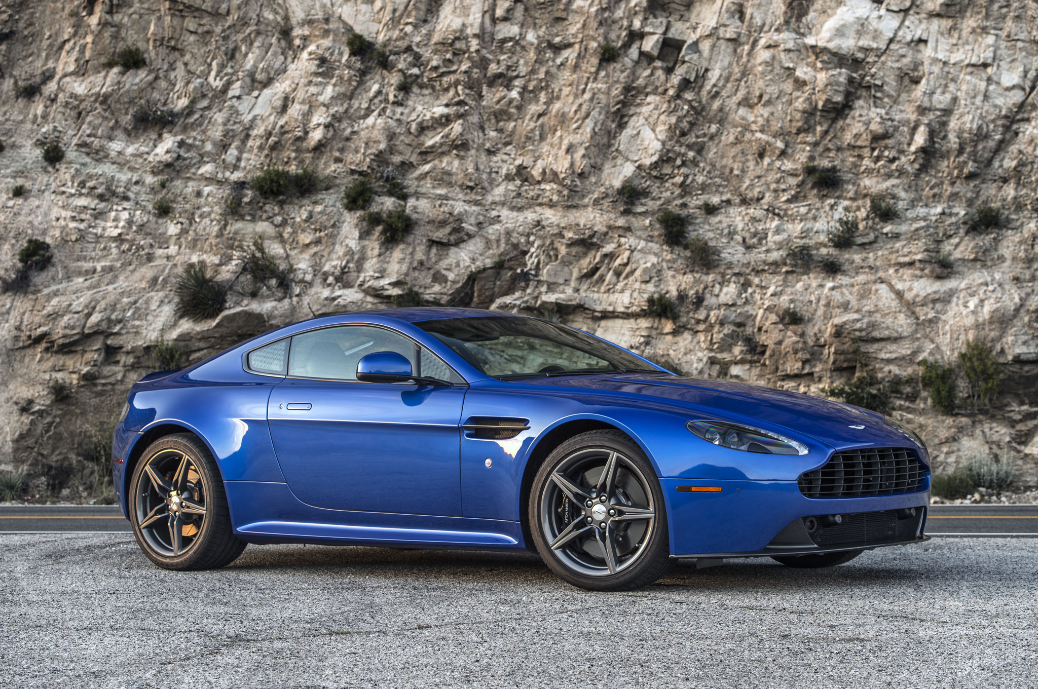 This Is How Much A 2017 Aston Martin V8 Vantage Gts And 2017 Db11 Will Cost