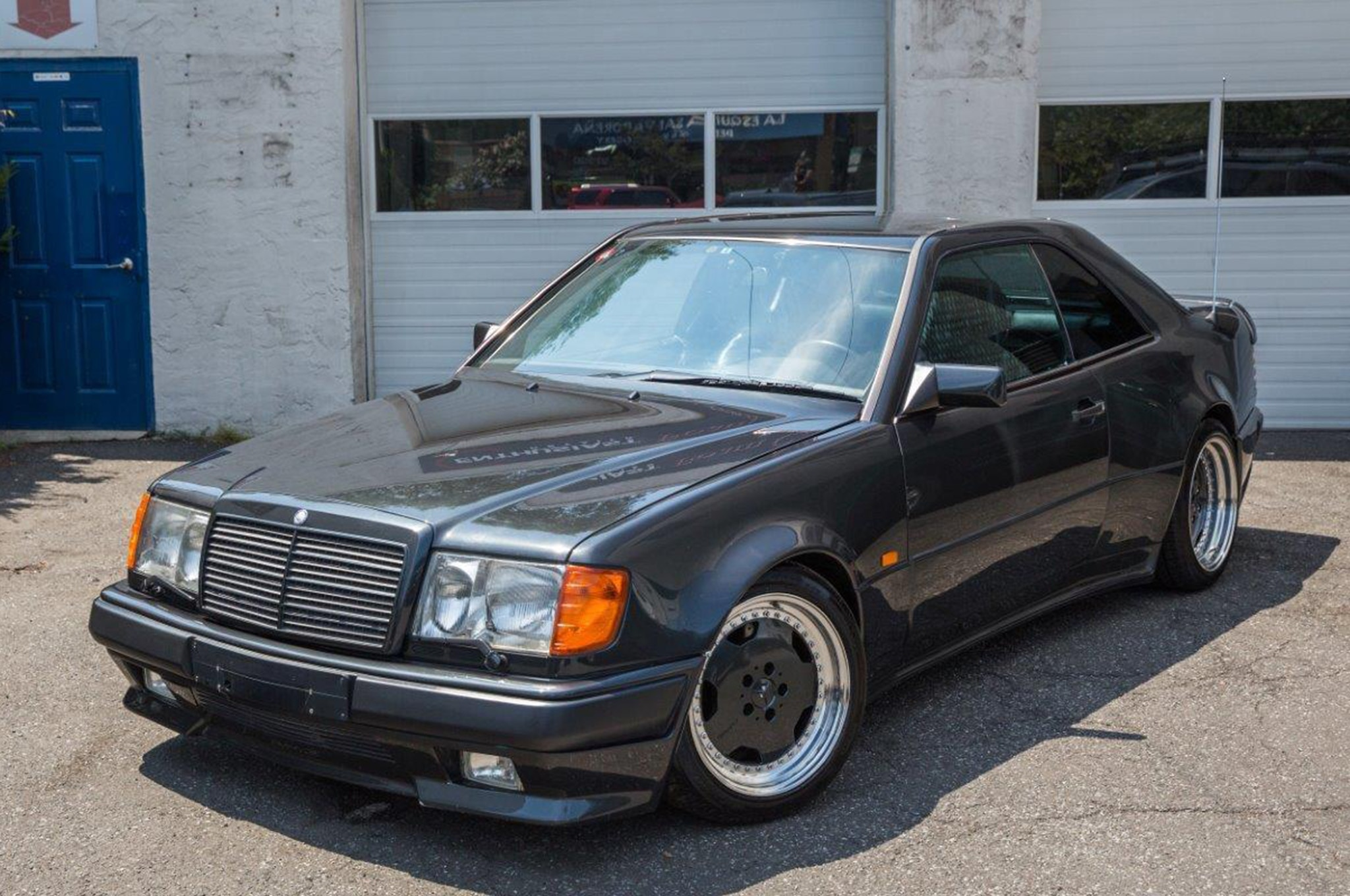 Get 1990 Mercedes Benz