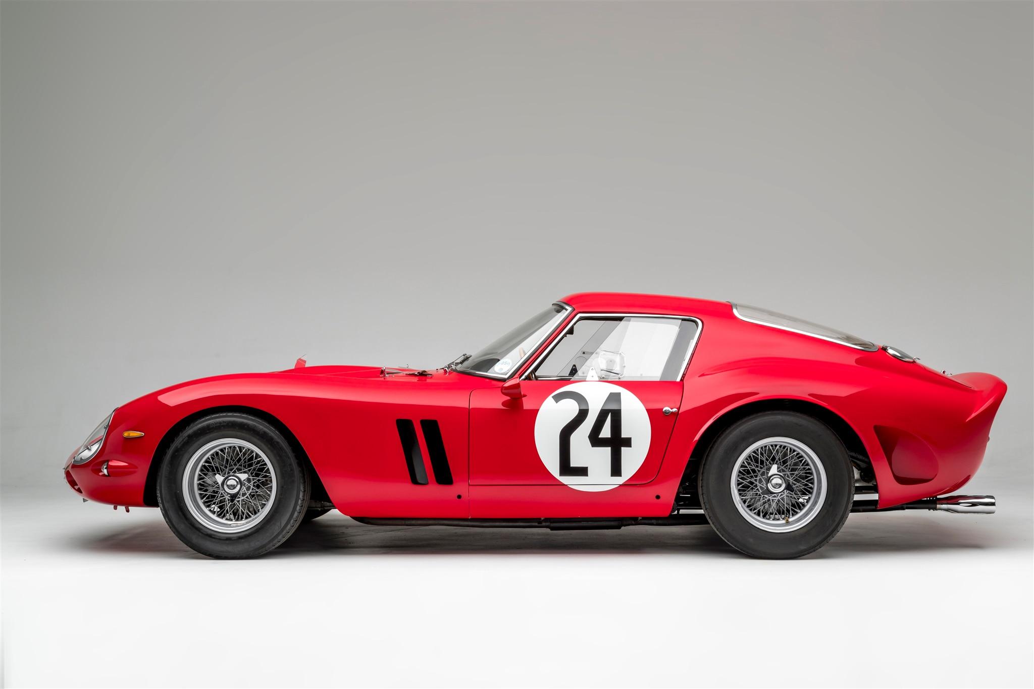 Vintage 8 X 10 Auto Racing Photo 1964 Daytona Cobra /& Ferrari 250 SWB