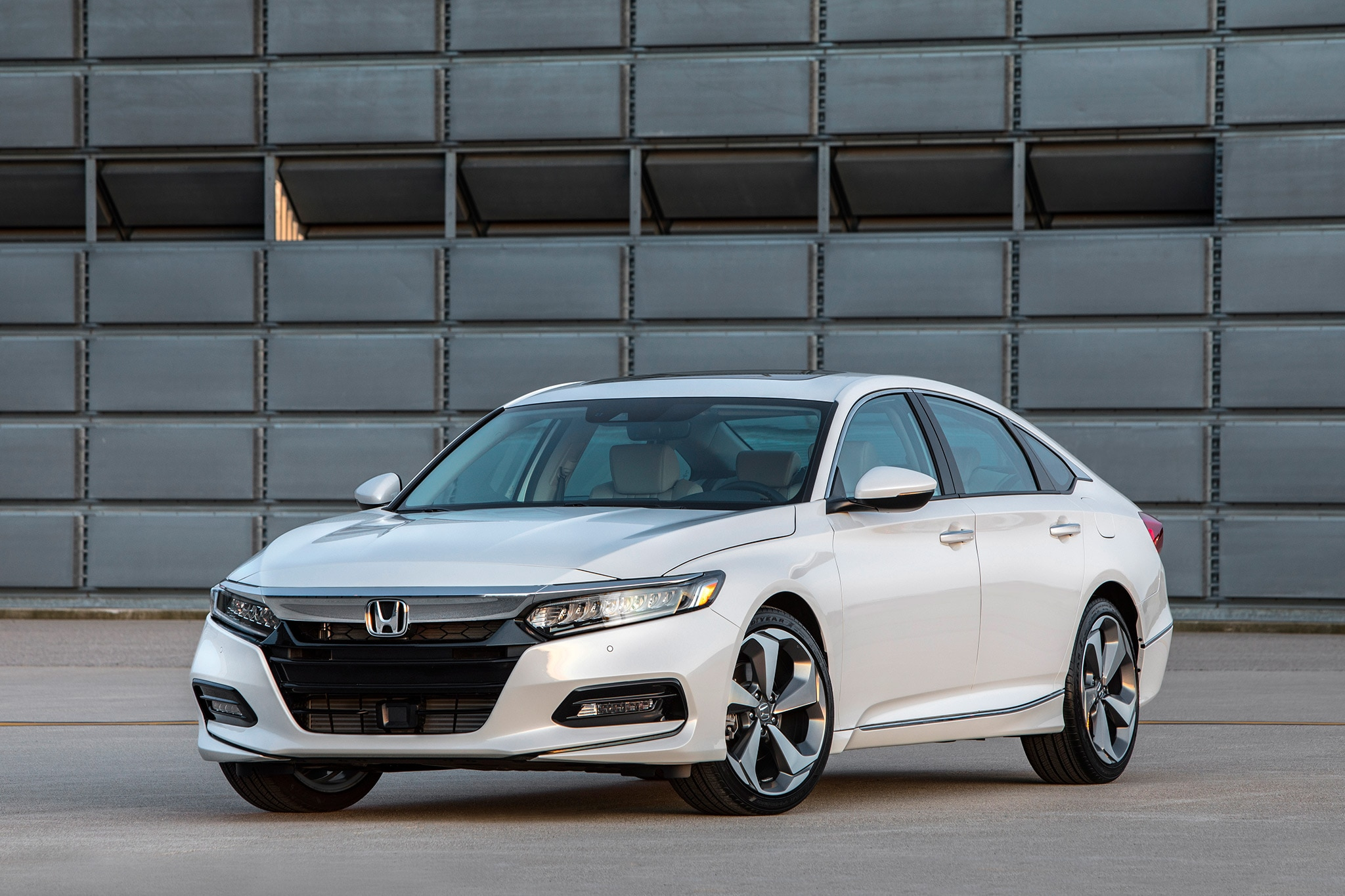 The 2018 Honda Accord Wants You To Forget All About Crossovers
