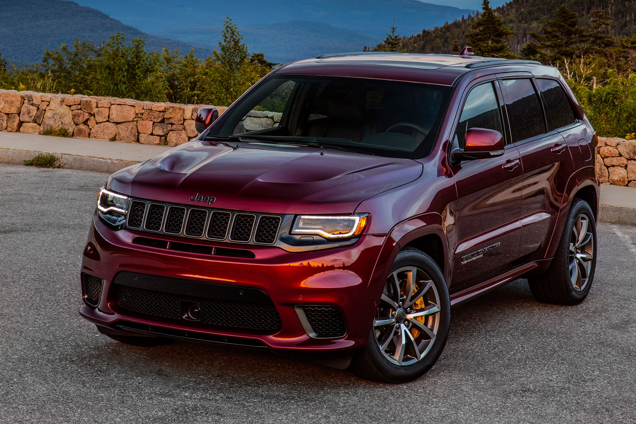 2018 Jeep Grand Wagoneer >> WATCH: Seven Reasons Why the Jeep Grand Cherokee Trackhawk ...