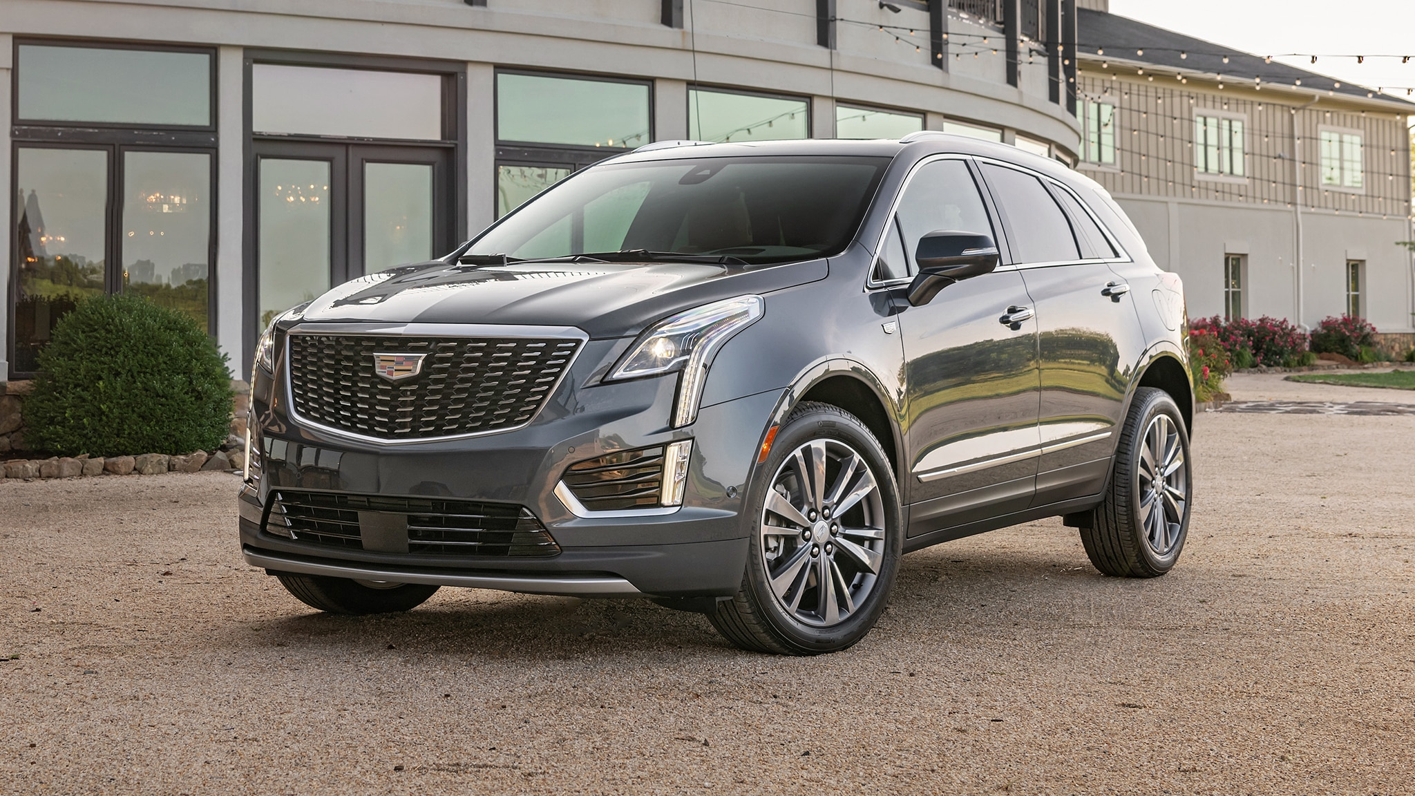 2020 Cadillac Xt5 Review Interior Price Specs >> 2020 Cadillac Xt5 Here S What S New Automobile Magazine
