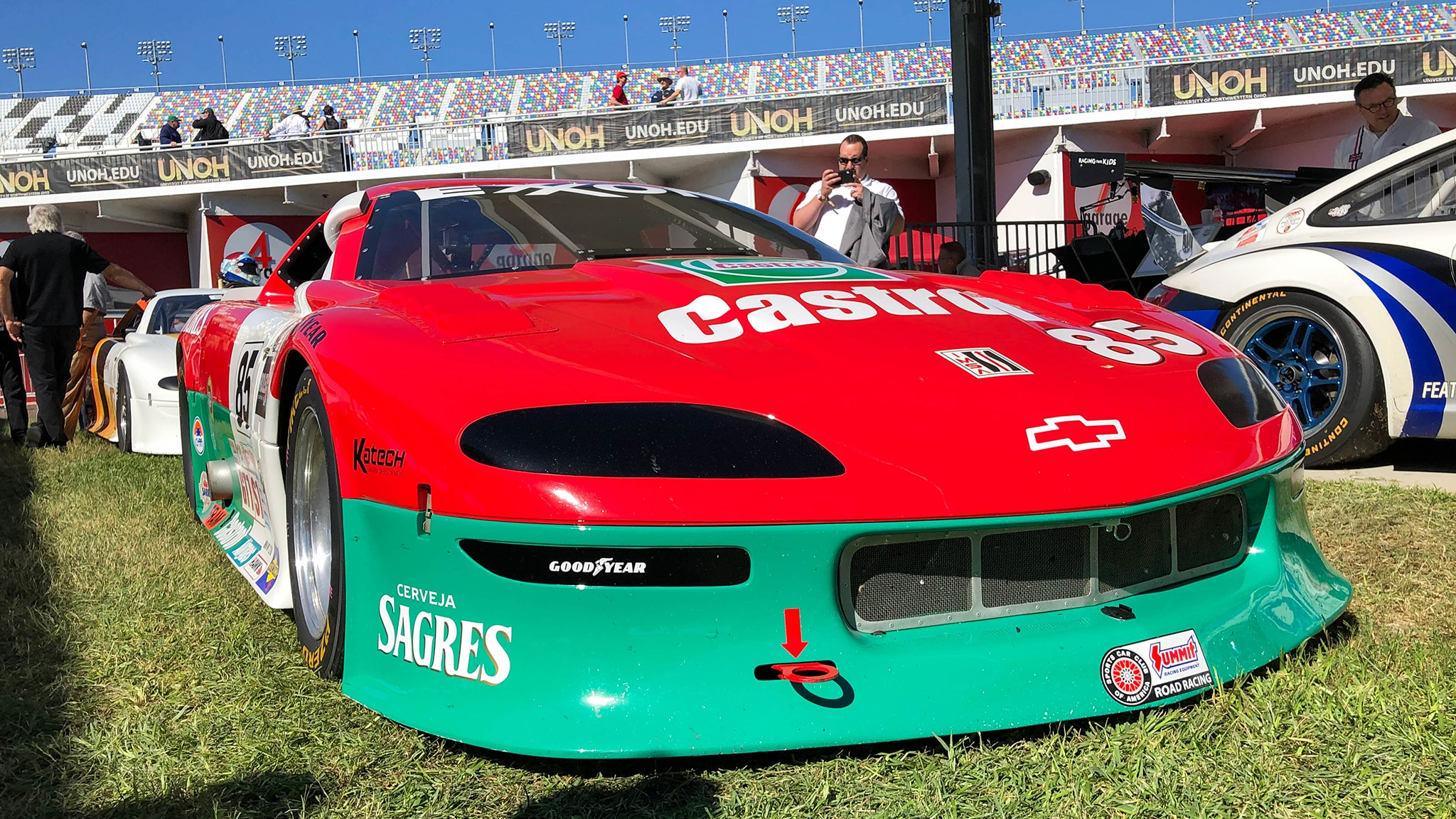Classic Race Car Pictures From the 24 Hours of Daytona - Automobile