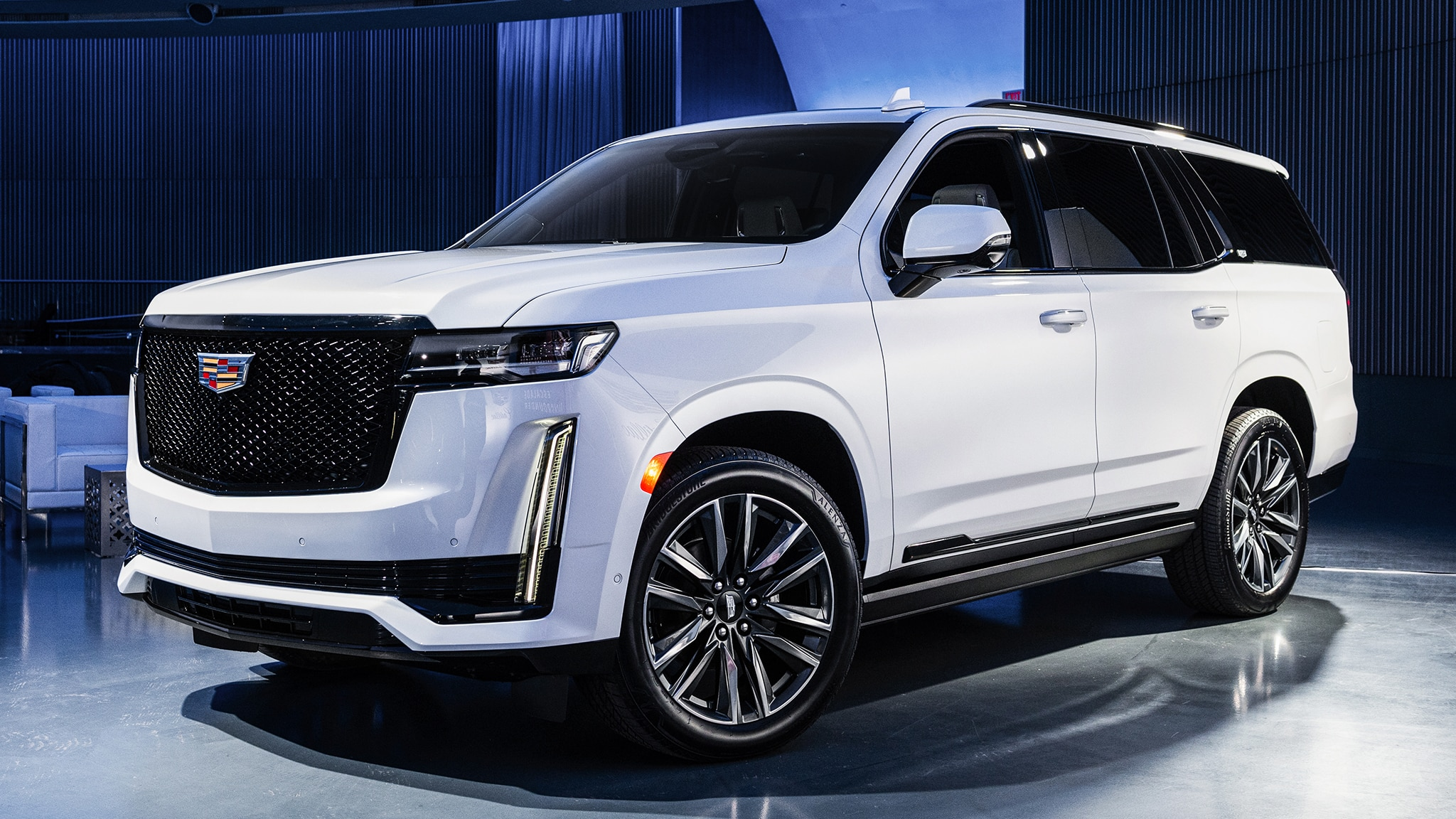 2021 cadillac escalade revealed  a bigger  better flagship