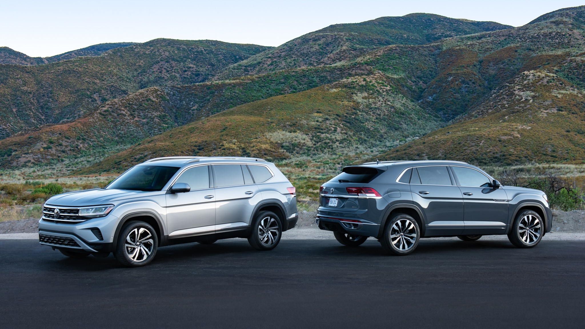 Volkswagen Atlas Versus Atlas Cross Sport What S The Difference