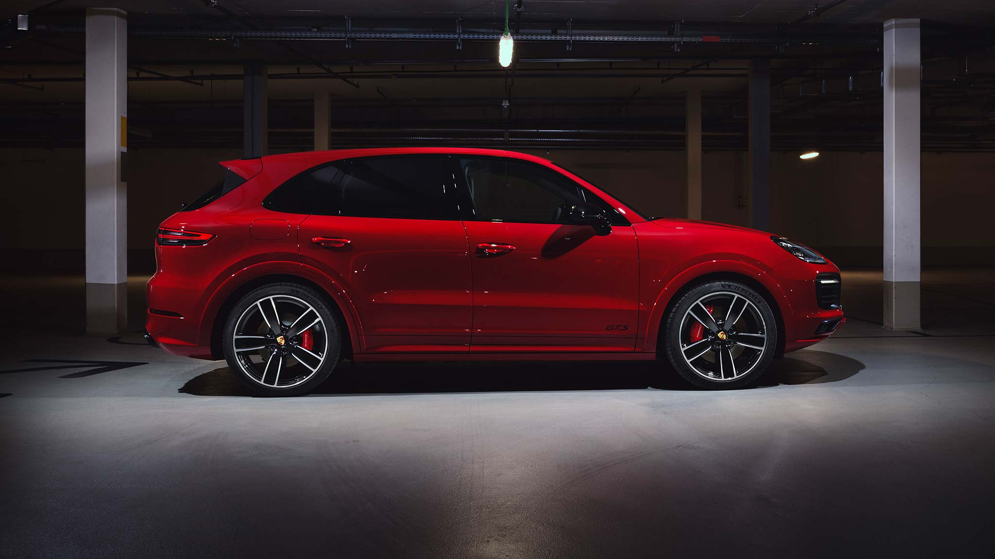 New 2021 Porsche Cayenne Gts Offers 453 Hp Twin Turbo V 8 Costs 108 650