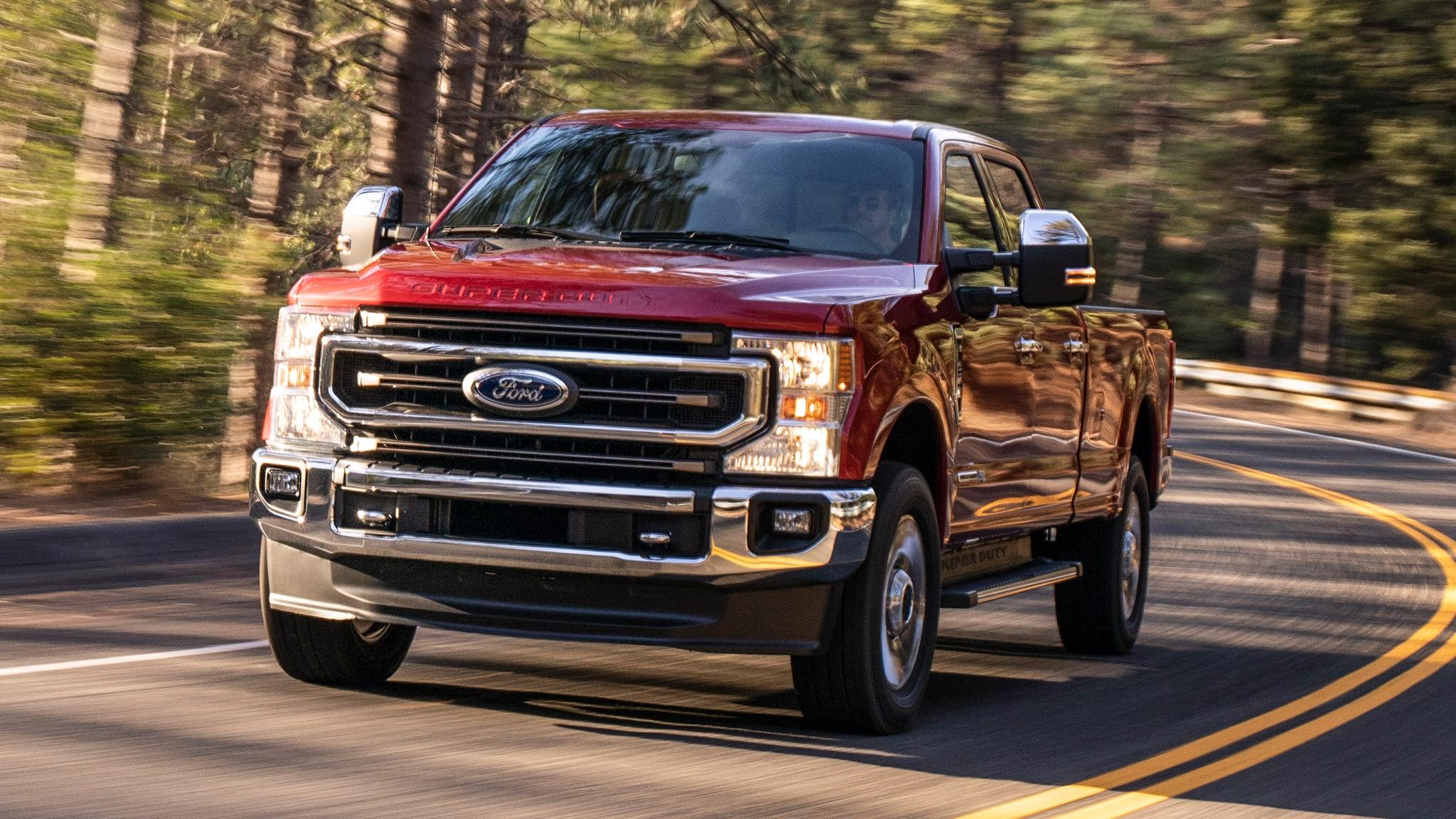www.automobilemag.com