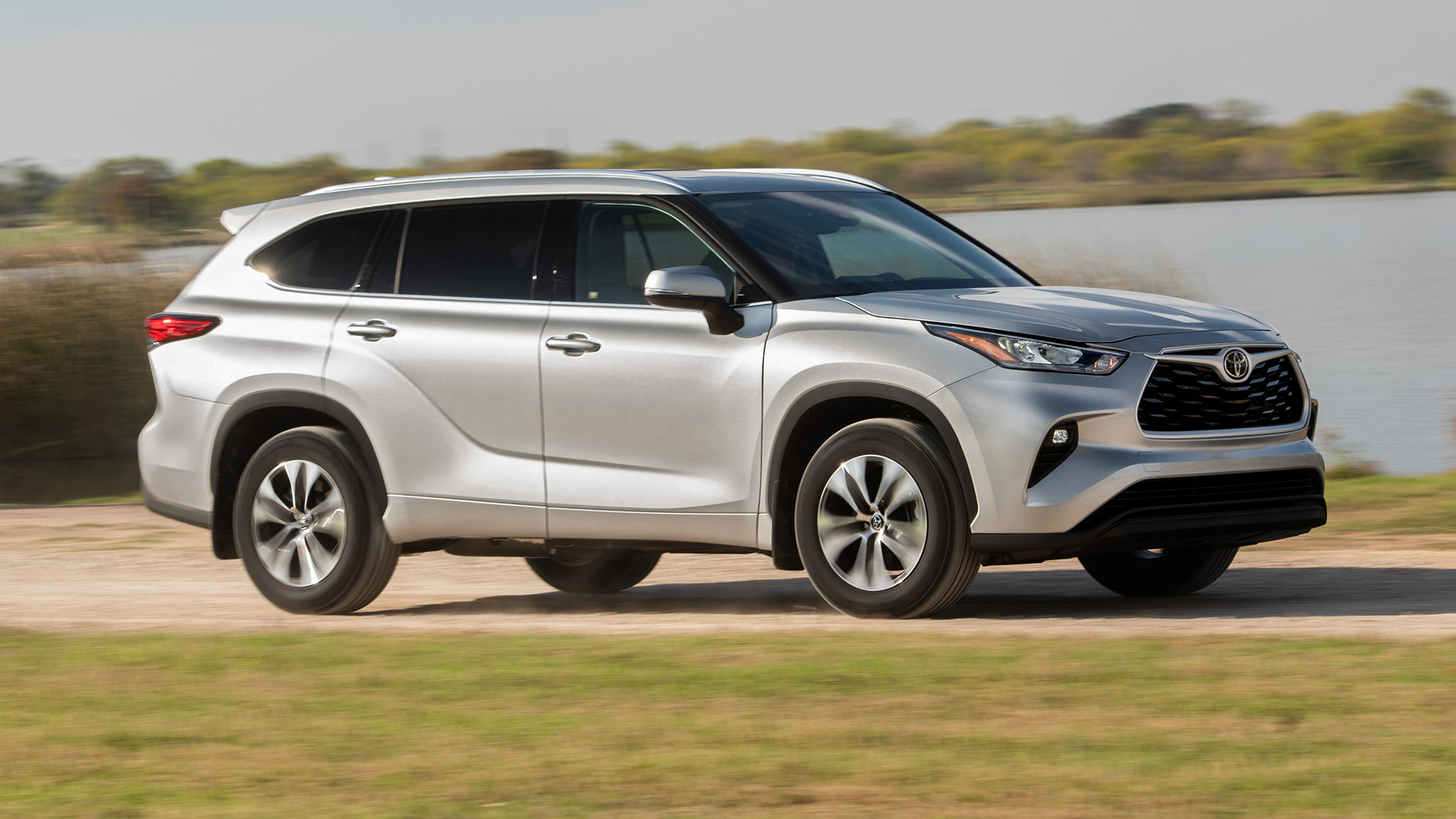2020 toyota highlander first drive review watch out kia telluride and hyundai palisade 2020 toyota highlander first drive